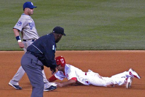 Shane Victorino steals a base